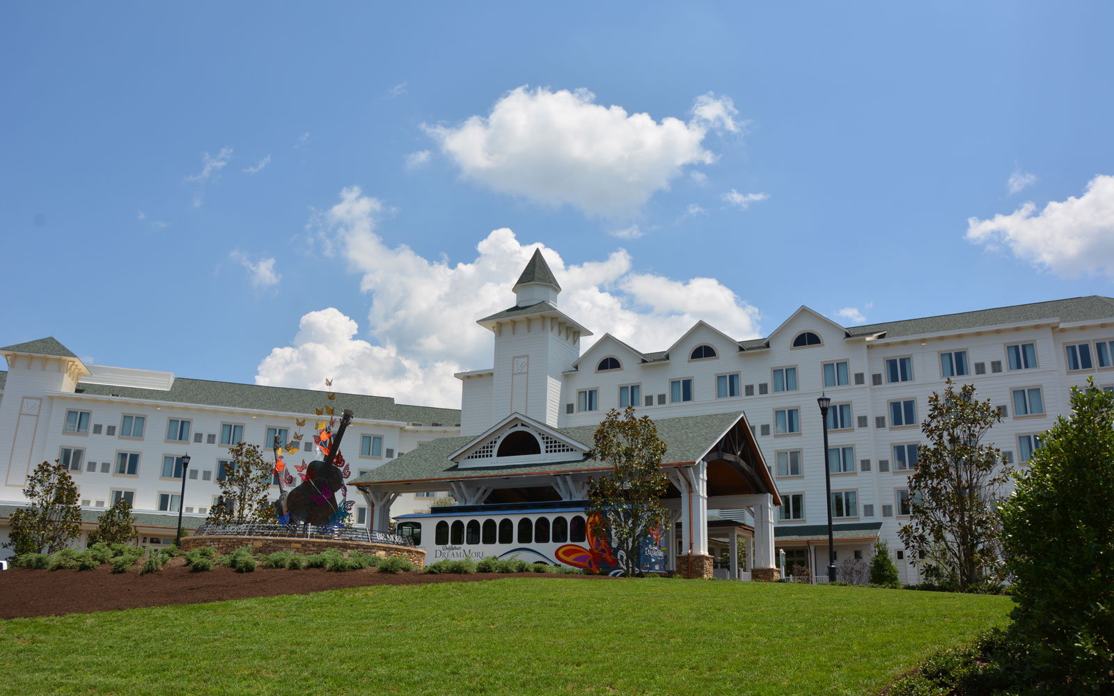 Dolly Parton Opens DreamMore Resort