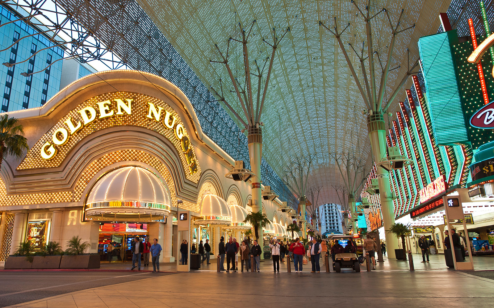 FREETHINGS0815-las-vegas-golden-nugget.jpg