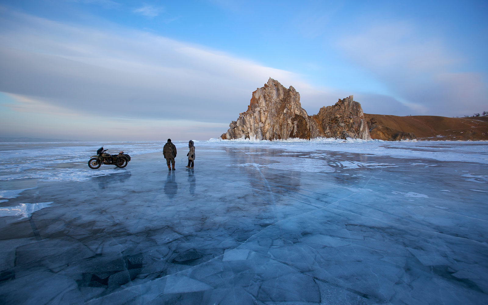 Video: Frozen Lake Baikal