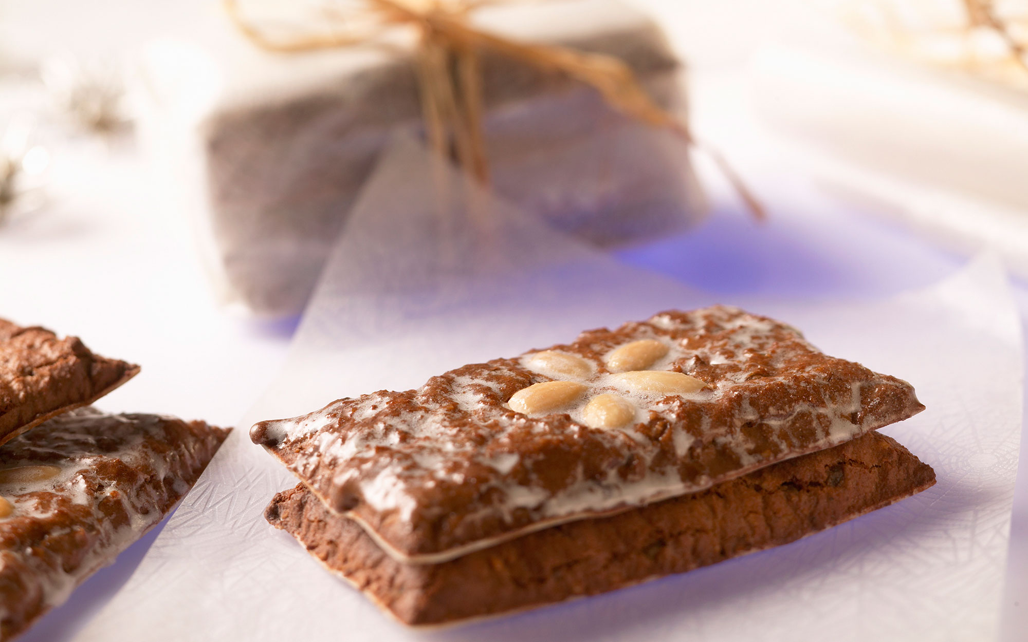 Gingerbread with almonds to give as a gift