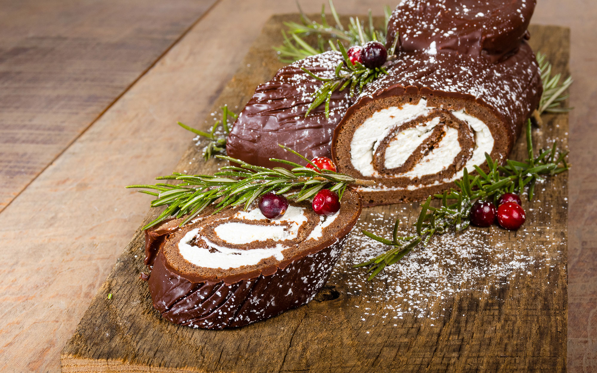 Food faith amp design thanksgiving goodies - Chocolate Yule Log With Cranberries