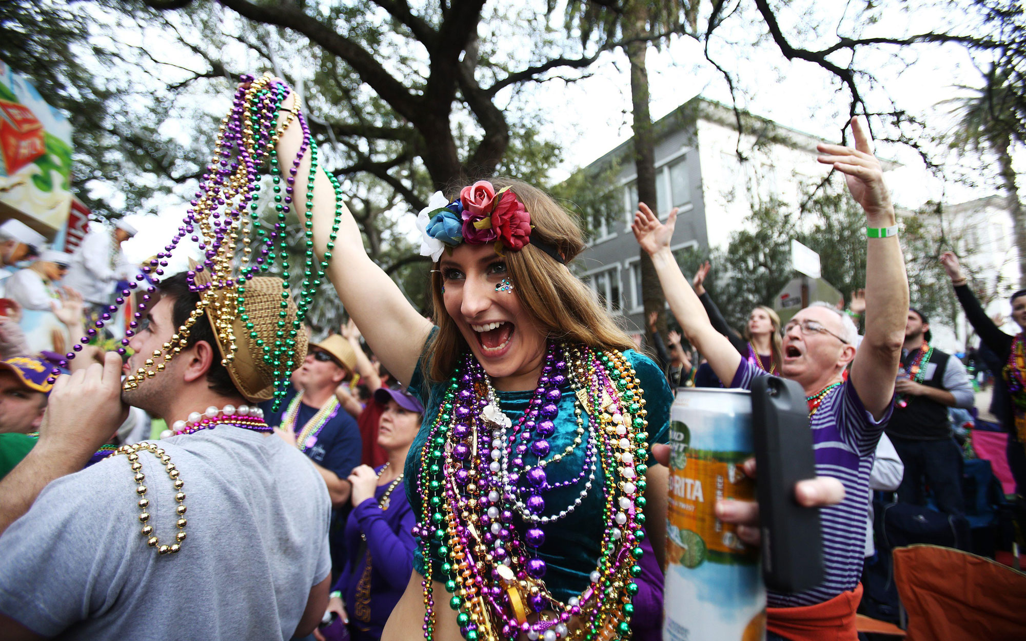 how to enjoy mardi gras and not make a fool of yourself travel