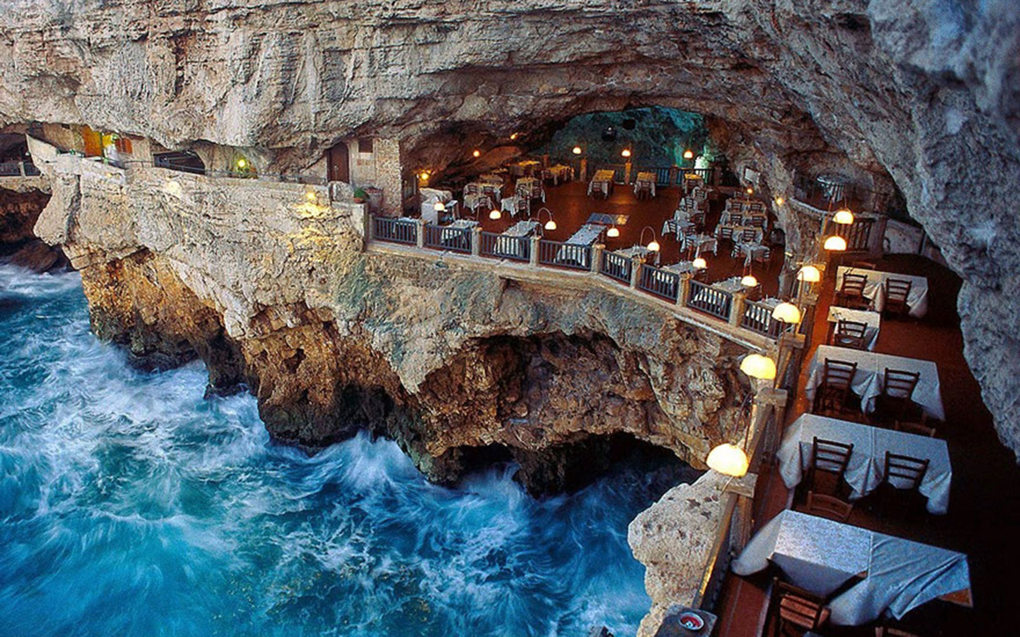 Is This the Most Romantic Restaurant in the World?