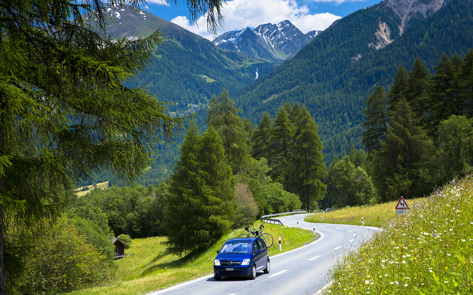 Duncan Hines Can Help You Plan Your Road Trip