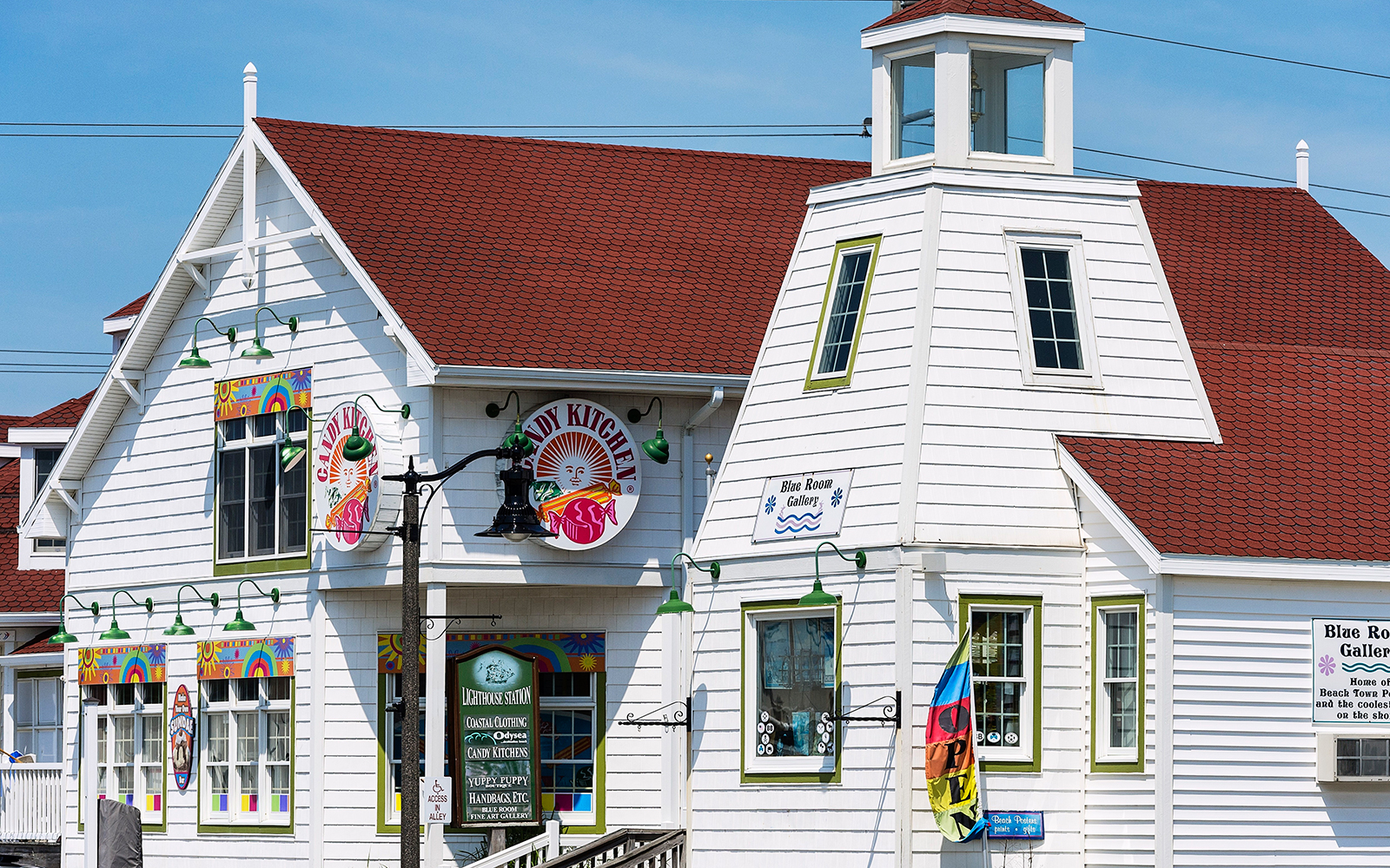 BETHANY BEACH, DELAWARE, UNITED STATES - 2012/05/08: Charming shops at Bethany Beach. (Photo by John Greim/LightRocket via Getty Images)