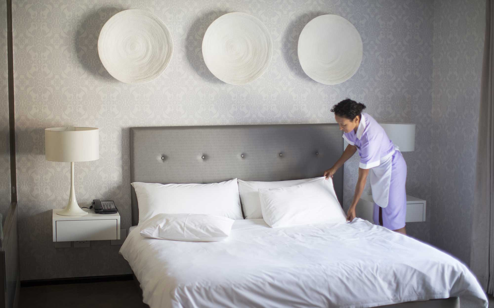 How Much Should You Tip Housekeeping?