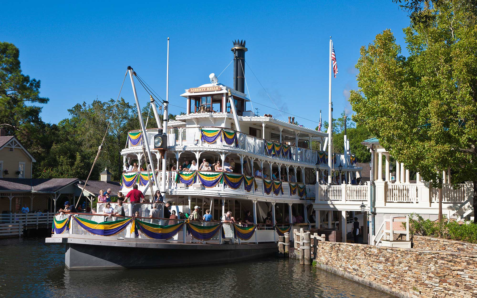 Former Disney Staffers Share Best Tips For Park Visits