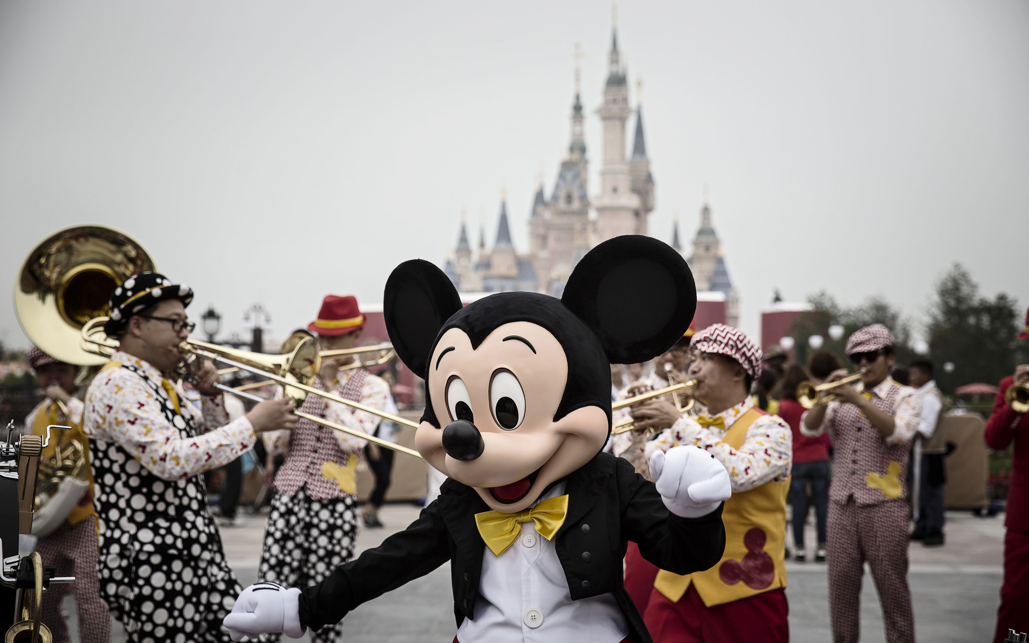 How to Visit Shanghai Disneyland