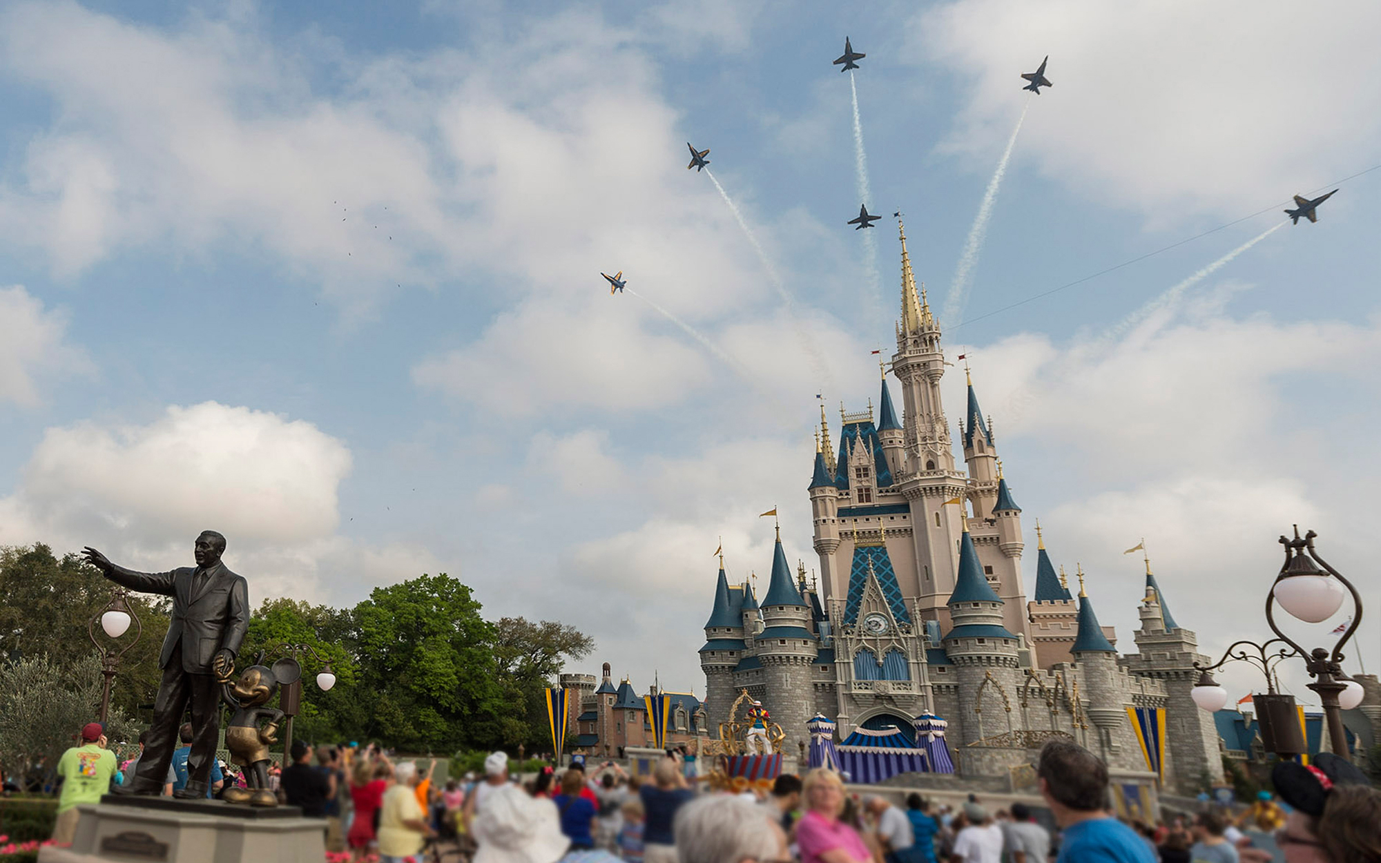 Delta is Offering Discounted Rooms and Free Food at Disney World