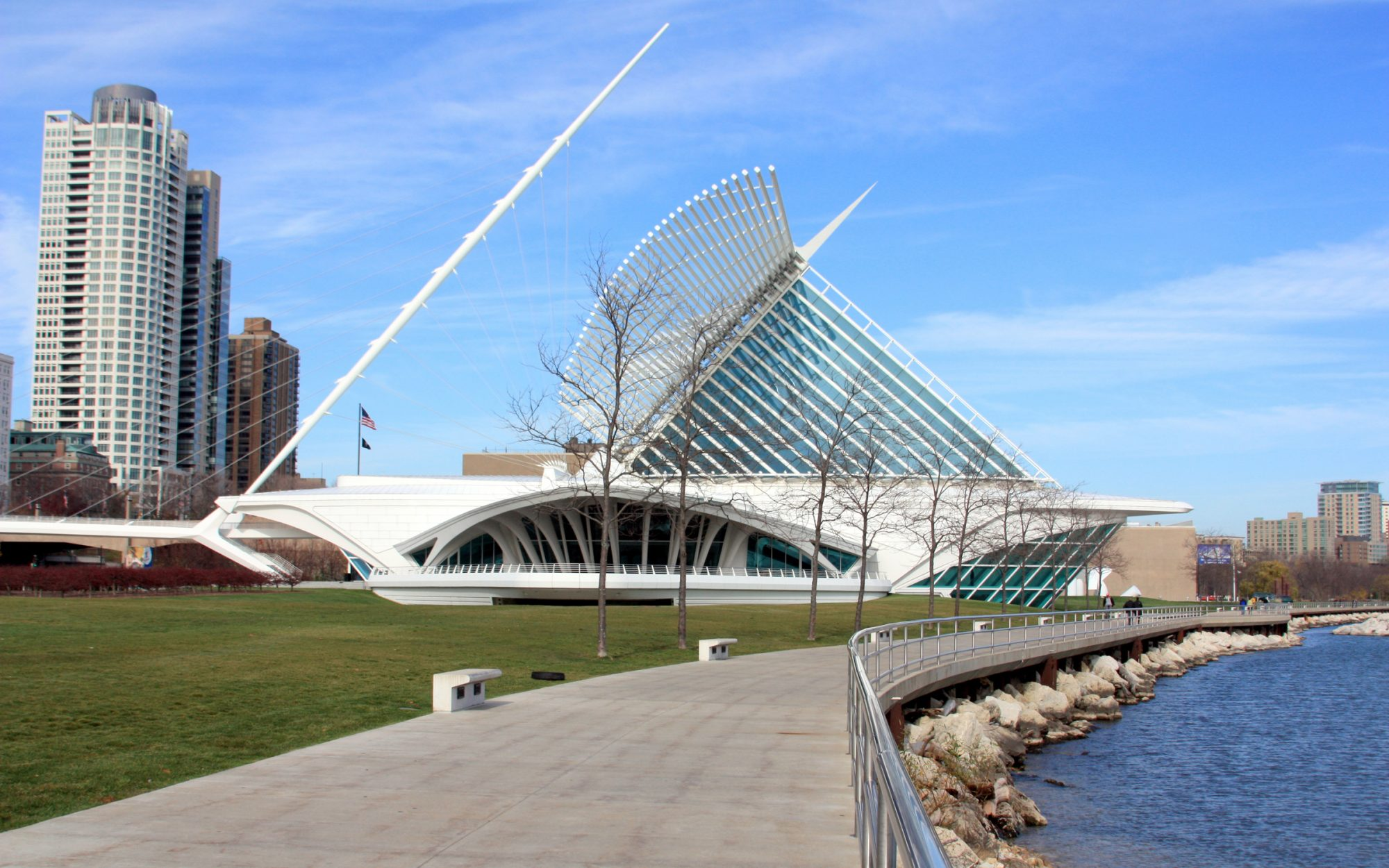 Explore the Milwaukee Art Museum Like a Local