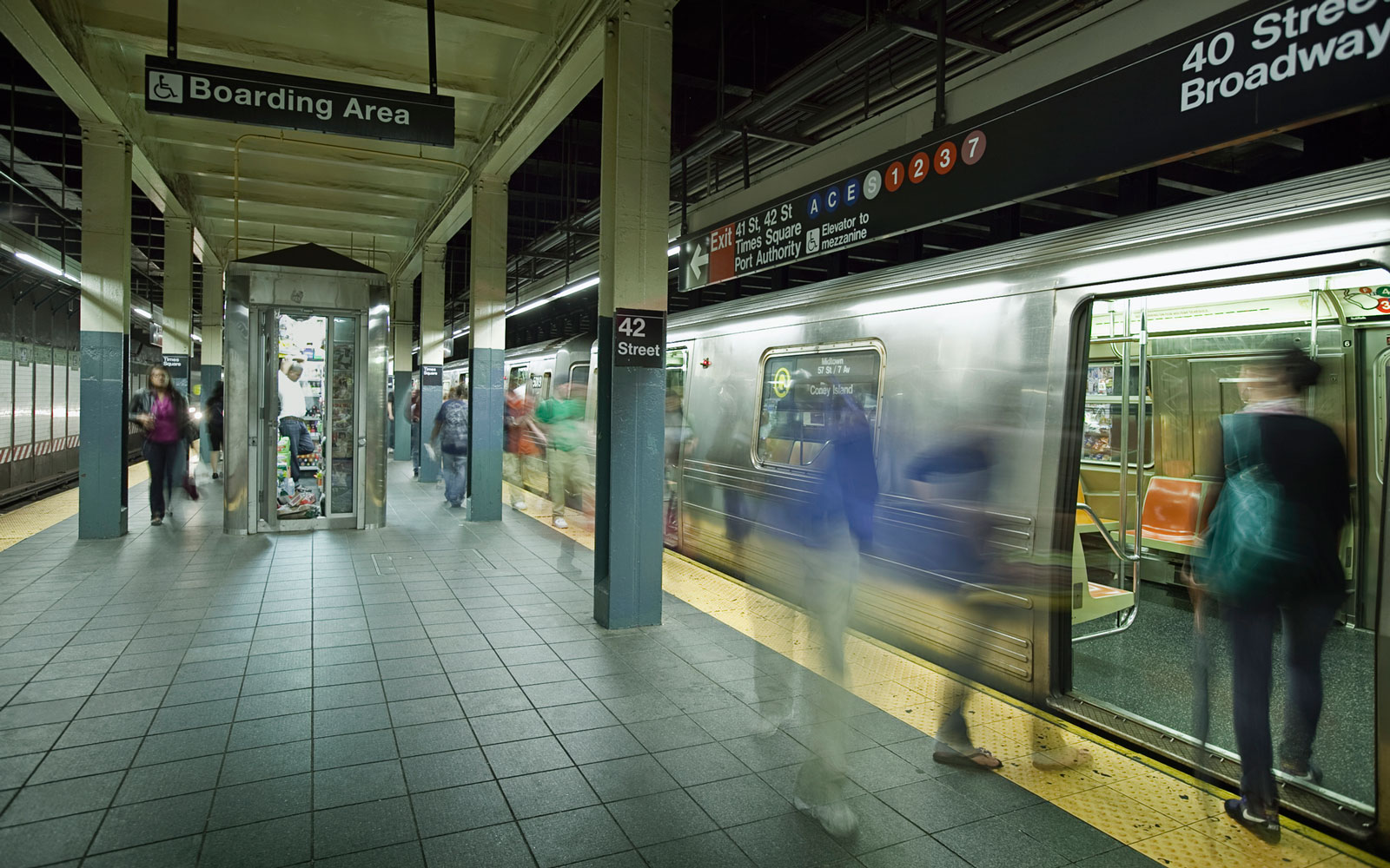 Man Visits Every Single New York City Subway Stop in 21 Hours, 28 Minutes and 14 Seconds