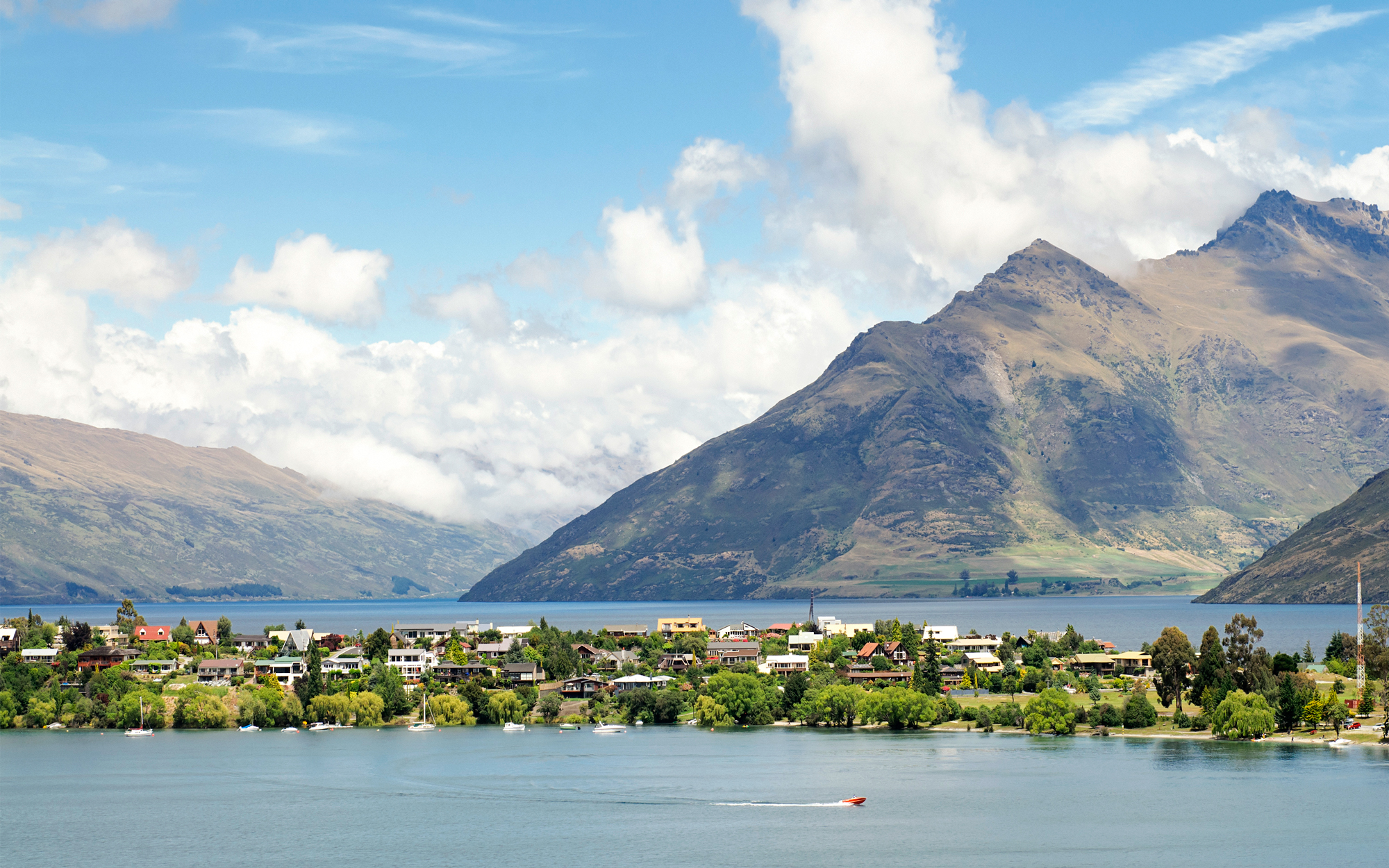 New Zealand Is the Hottest New Spot for Vacation Homes
