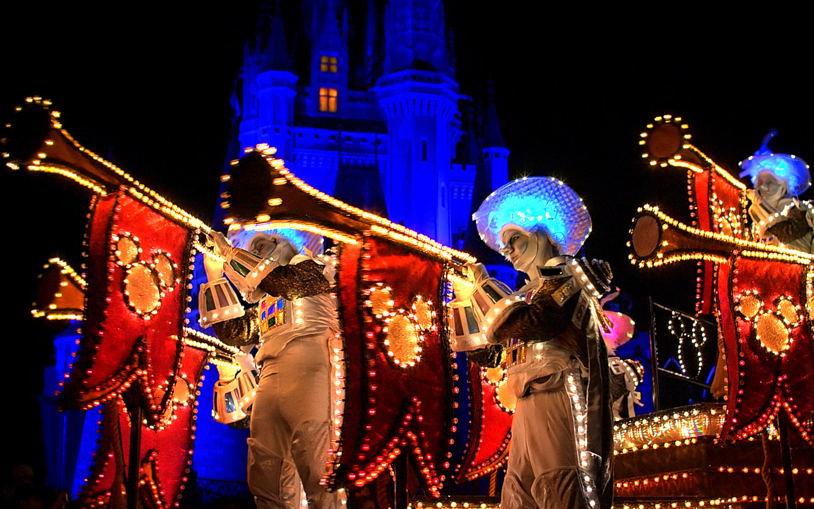 Disney Main Street Electrical Parade Ends