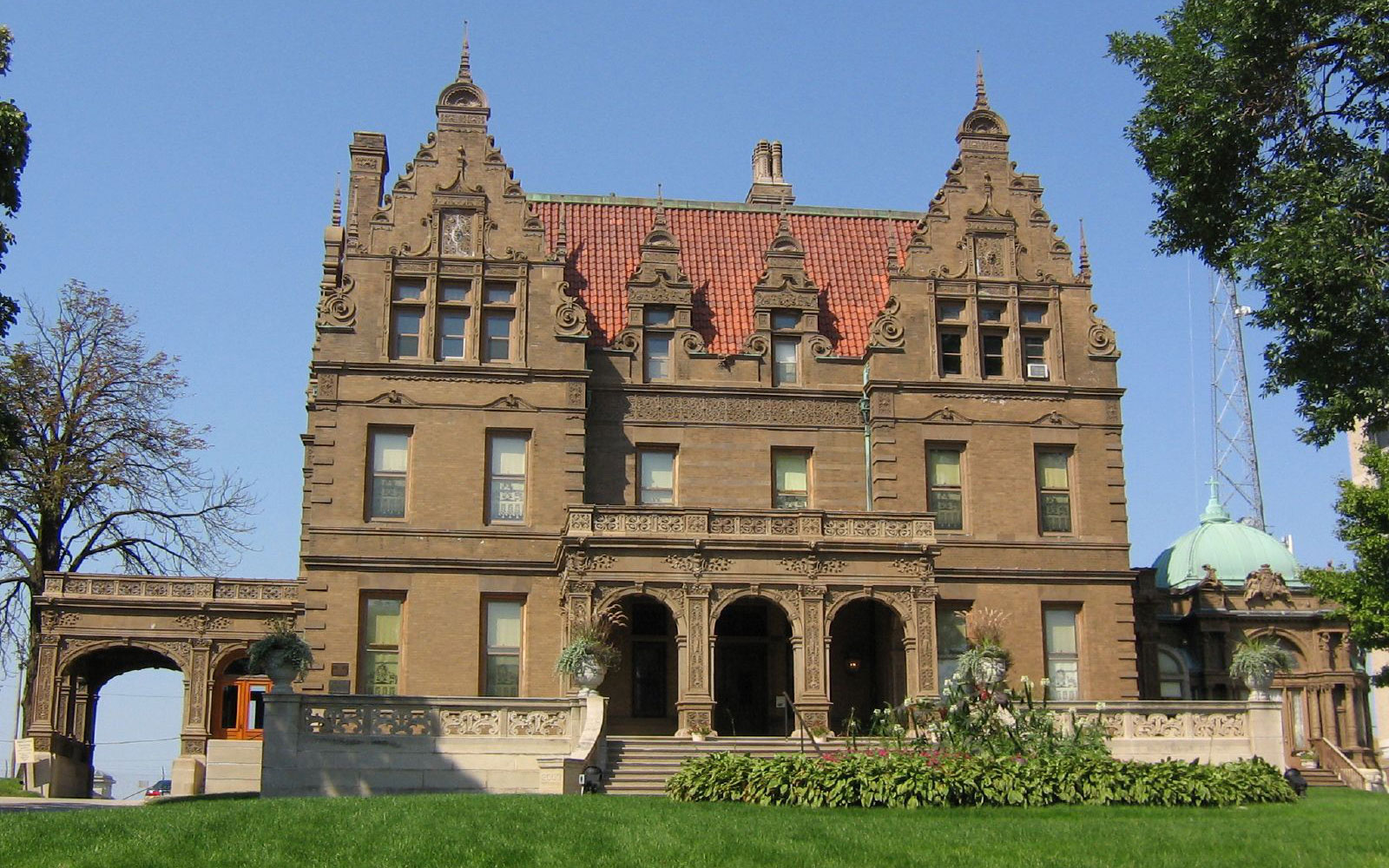 Take a Frederick Pabst Mansion Tour