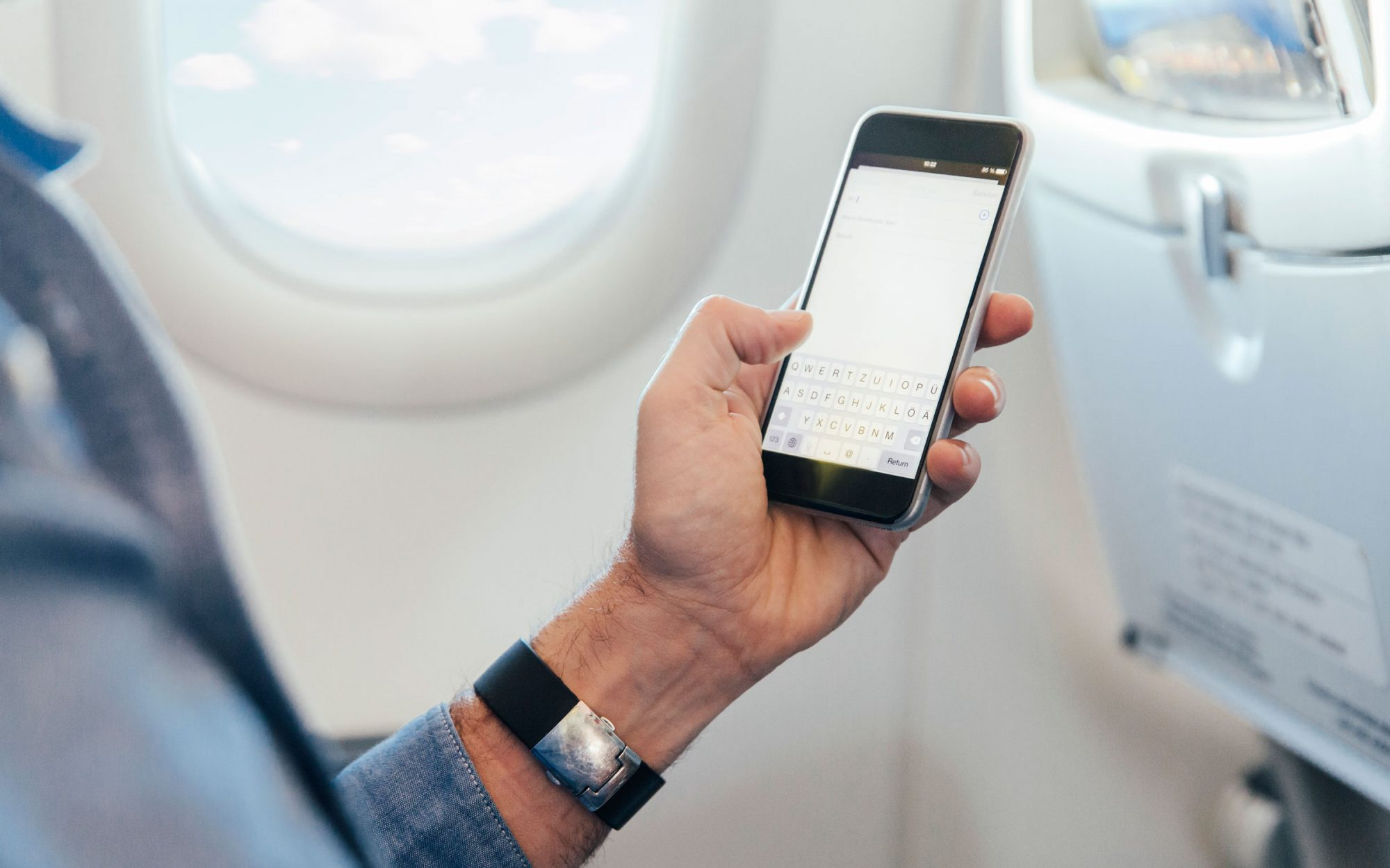 One Reason That Phones Explode on Airplanes