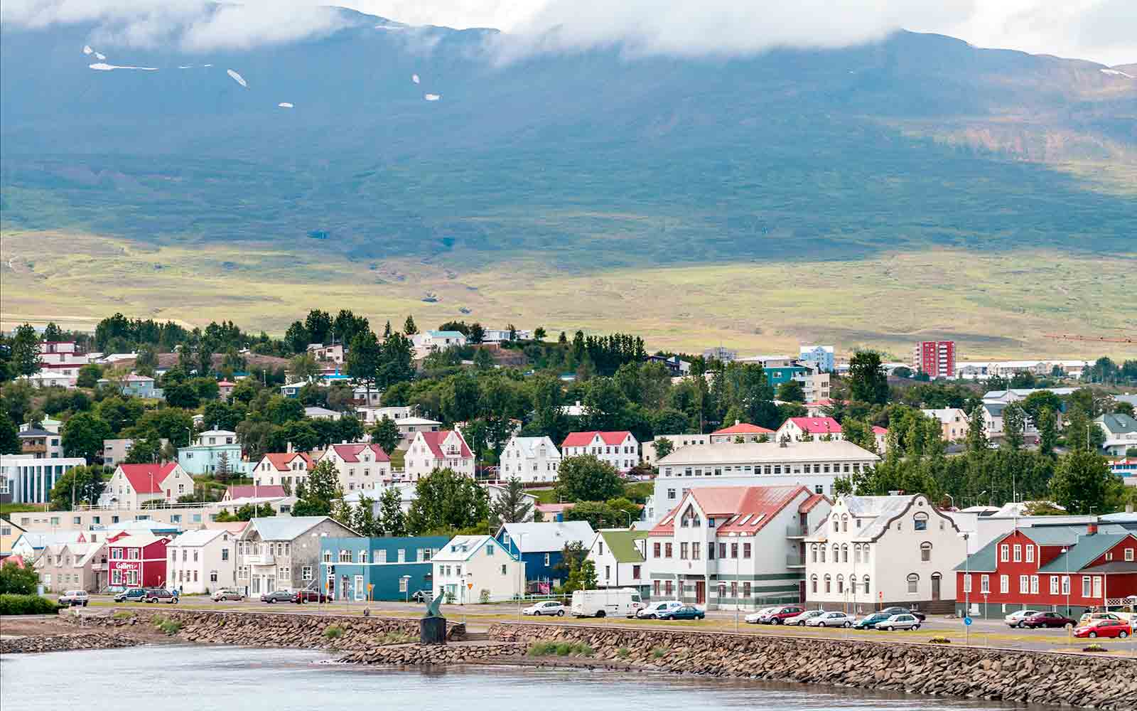 Air Iceland Launches First Domesic Route from Keflavik to Akureyri