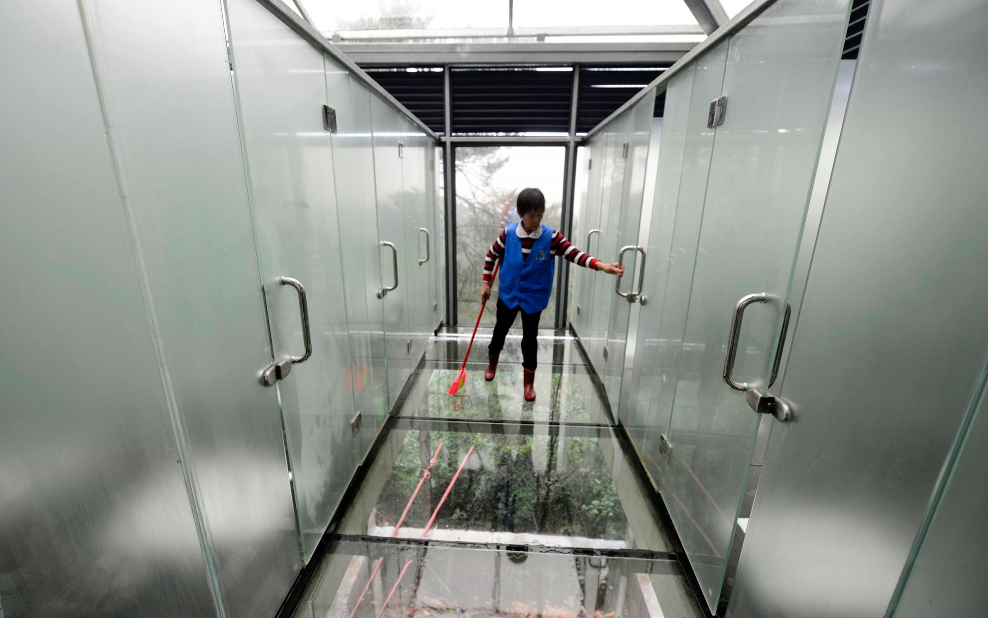 Glass Bathroom in China