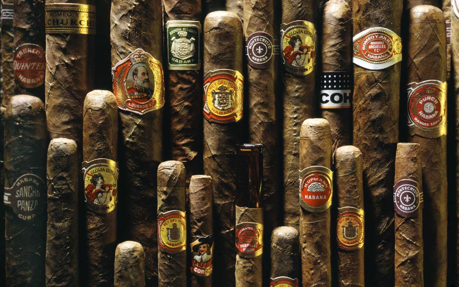 Americans Can Now Bring Cuban Cigars and Rum into the U.S.