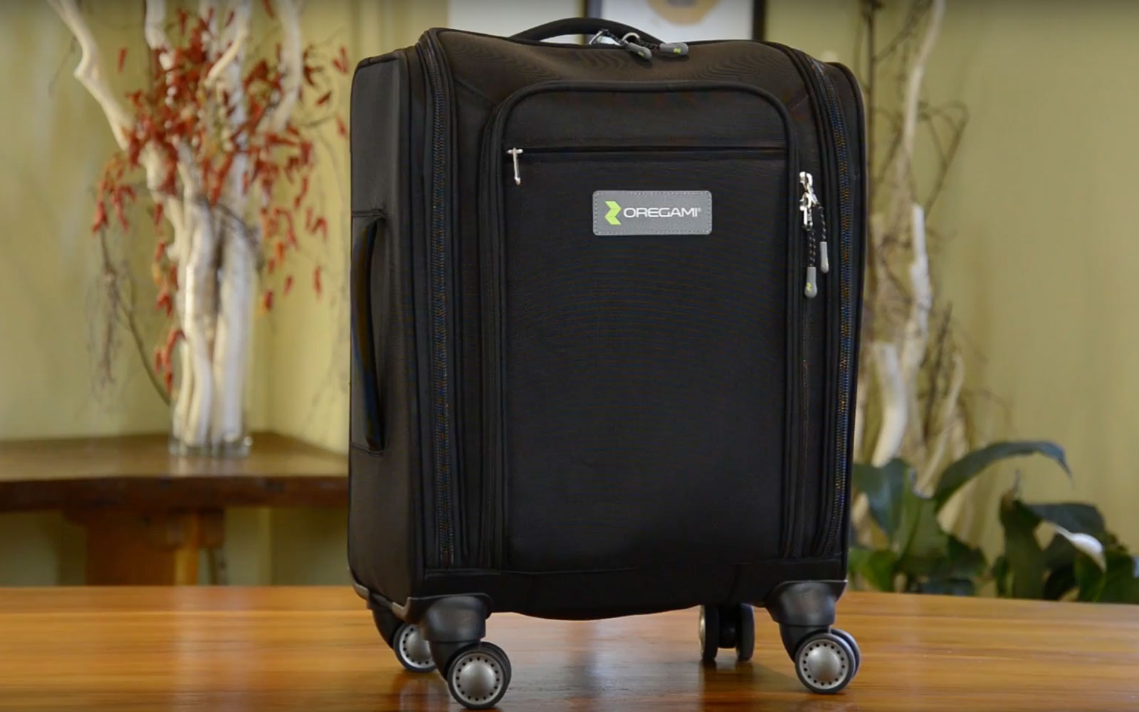 Tidy Travelers Will Love This Origami-inspired Suitcase