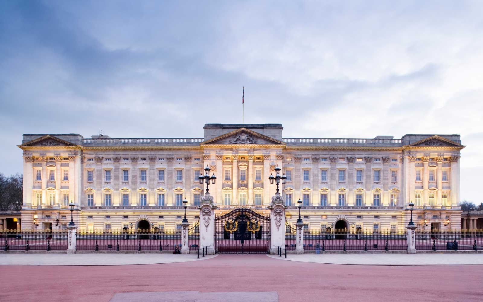 Look Inside Buckingham Palace Before They Start the $455-million Renovation