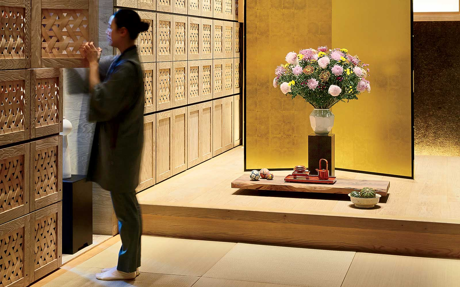 How Traditionalism and Modernism Coexist in Today's Tokyo