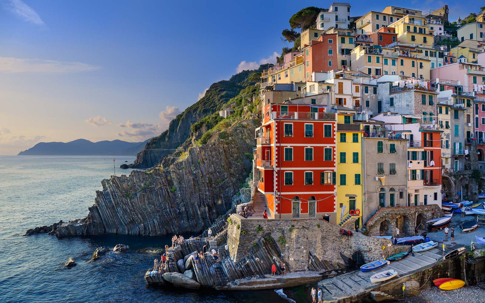 How to Travel to Cinque Terre