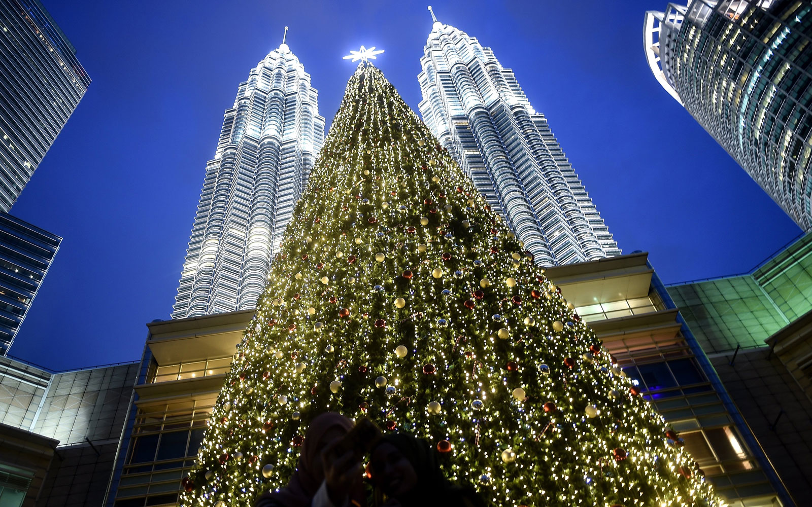 The Cities Where It's Most Expensive to Spend Christmas