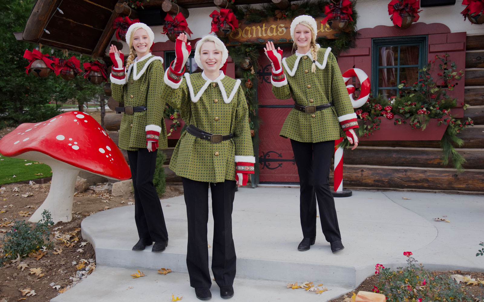 santa-village-elves-SANTASVILLAGE1216.jpg