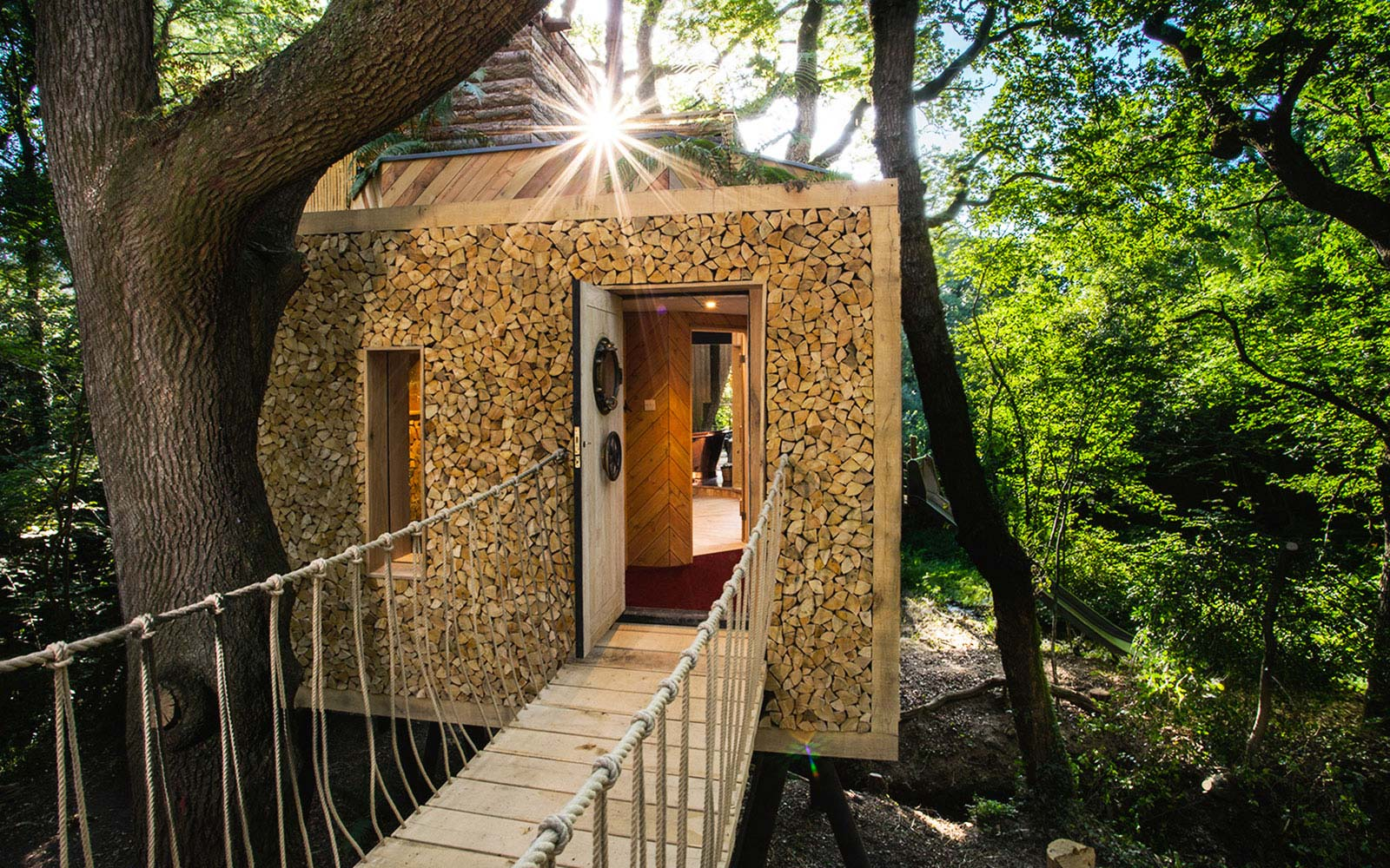 How to Stay in England's Most Luxurious Treehouse