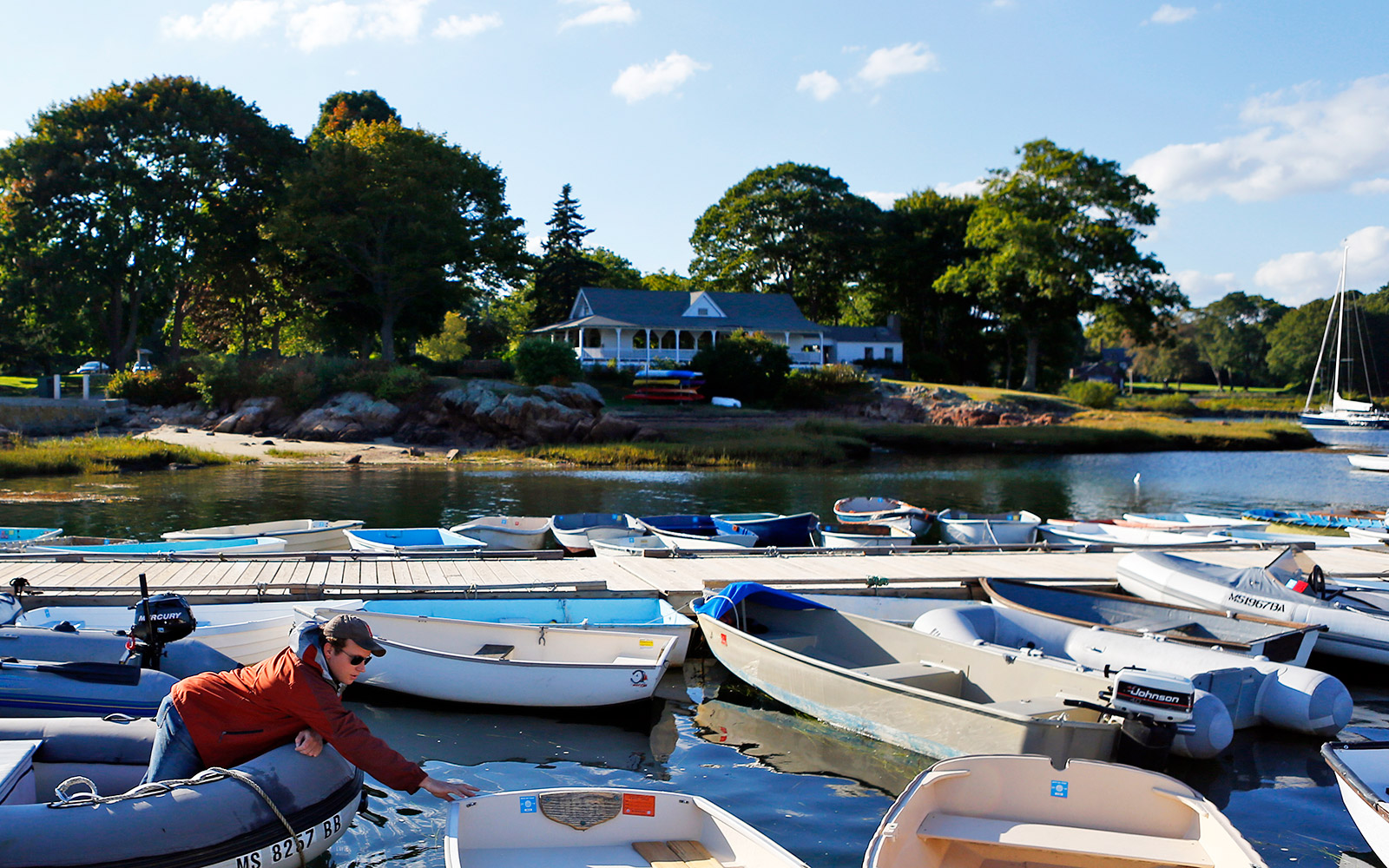 Golden Globe Manchester by the Sea Guide to Massachusetts