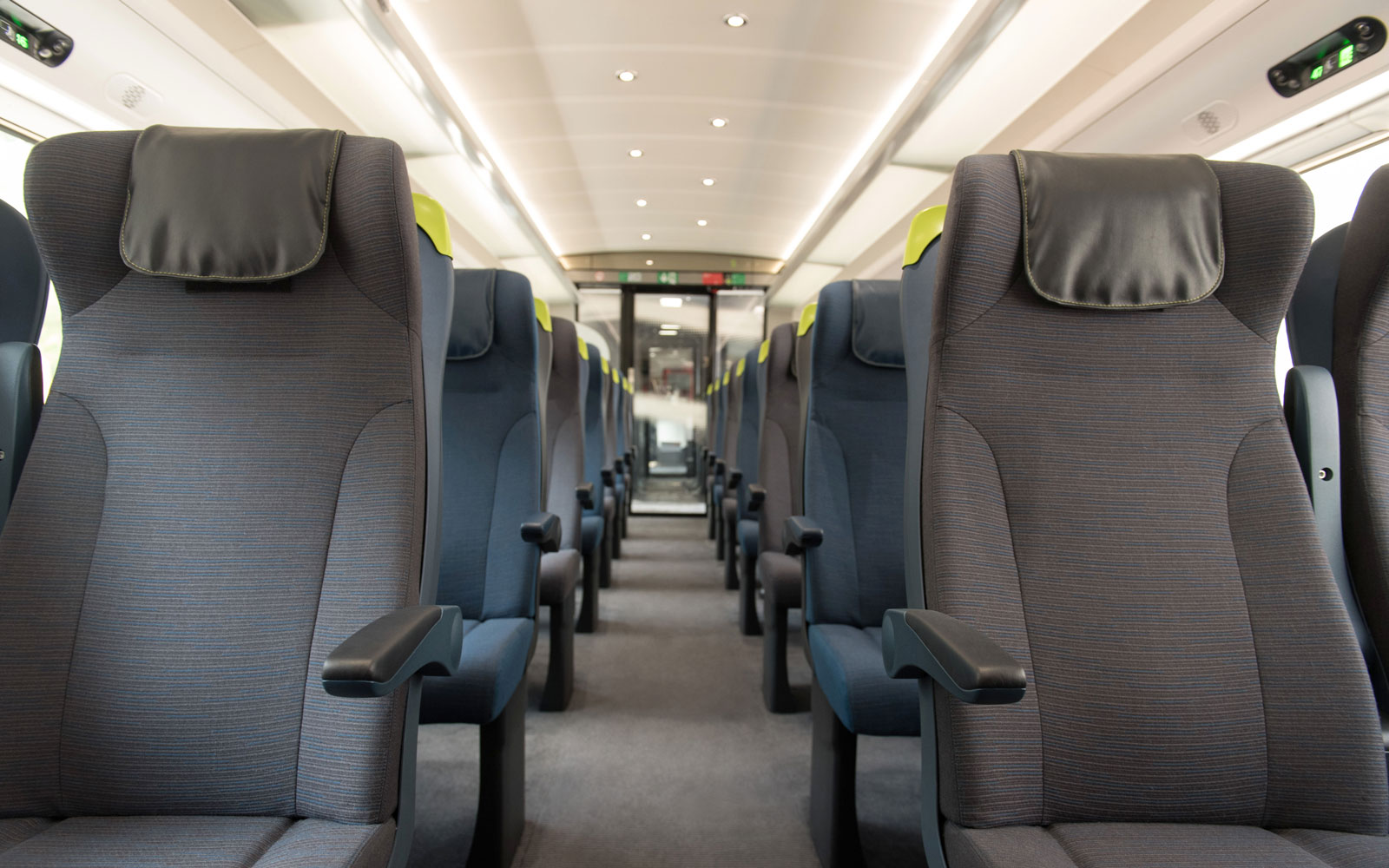eurostar-finished-interior-EUROSTAR217.jpg