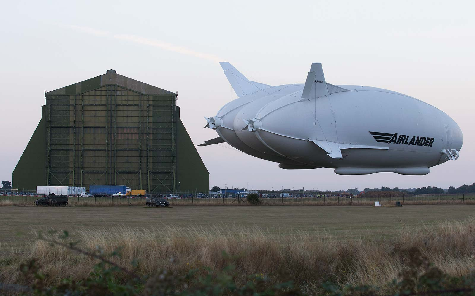 Flying Butt Airlander 10