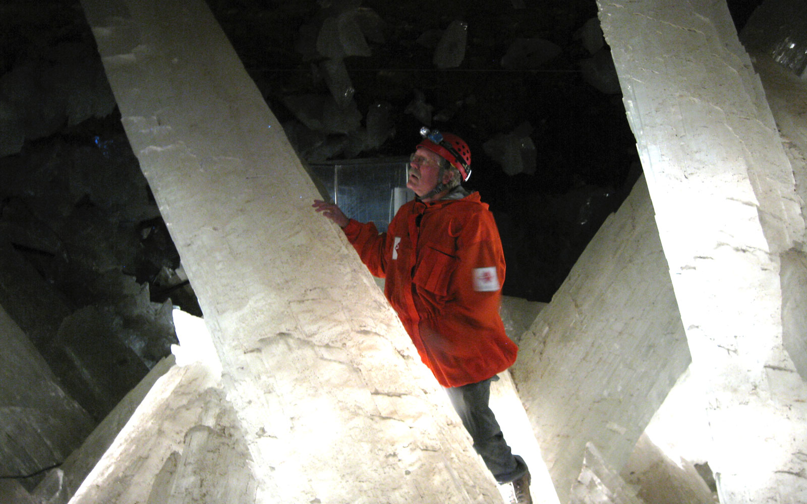 Scientists Found 50,000-year-old Life in These Mexican Crystal Caves