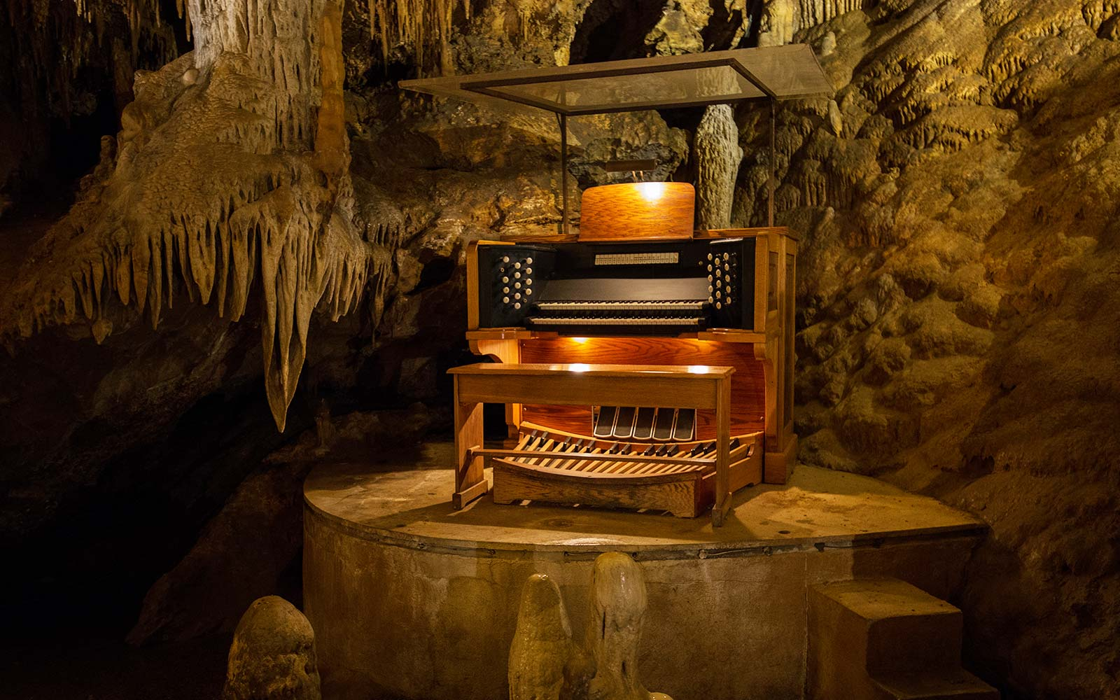 Stalagpipe organ caves