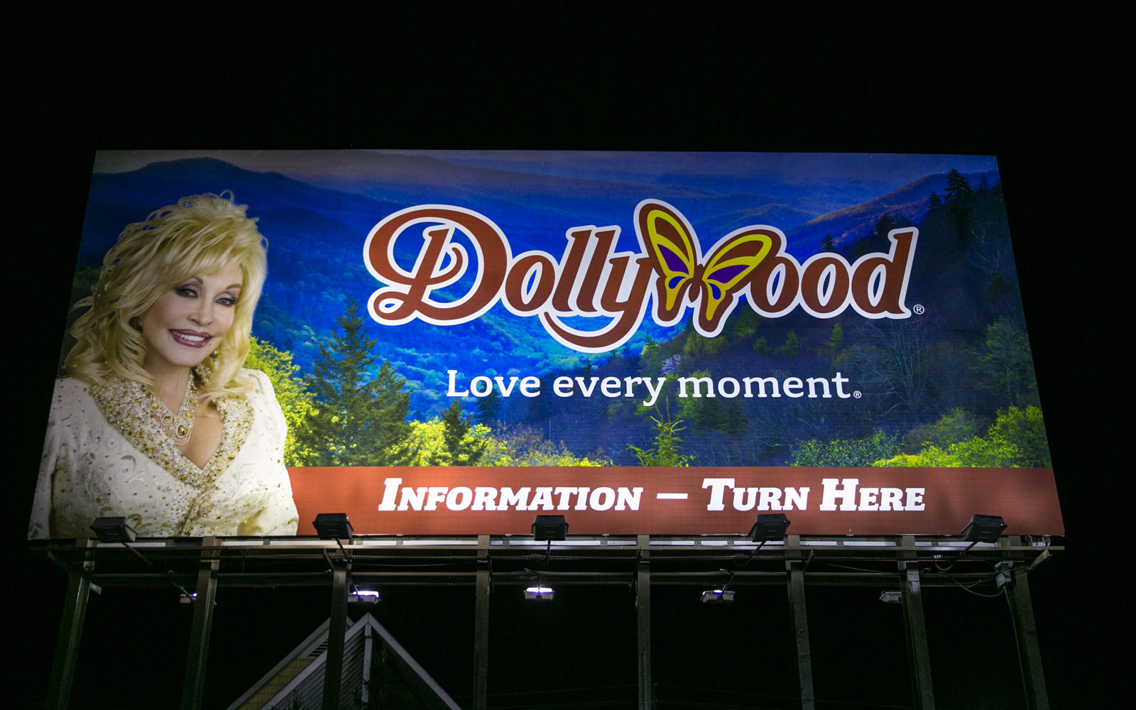 A sign for Dollywood.