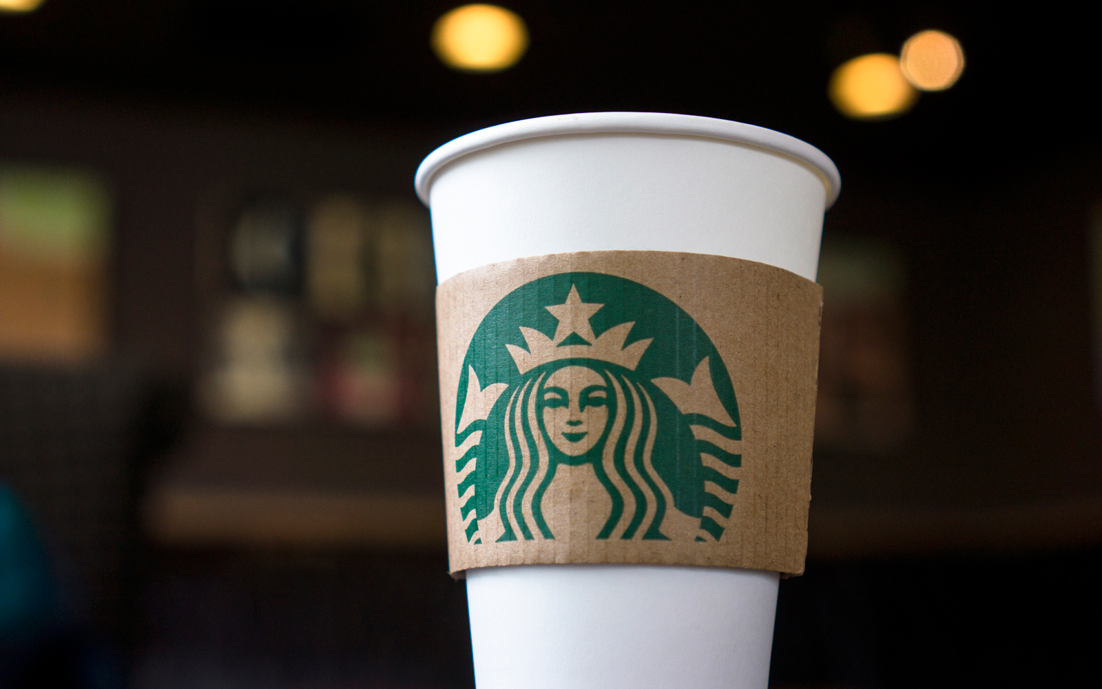 You Can Get a Free Starbucks Gift Card If You Talk to Someone With Opposing Political Views