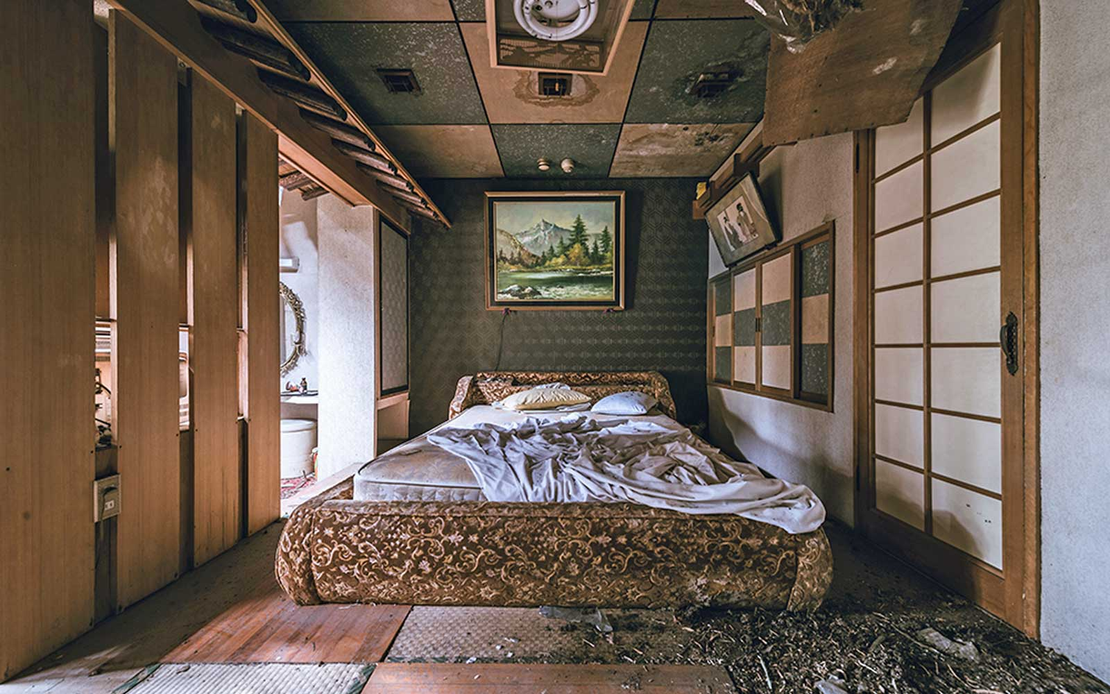 Abandoned Tokyo Love Motel S Decay In Photos Travel