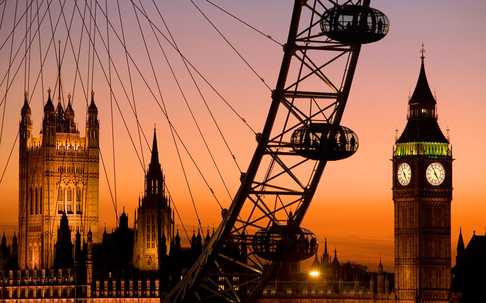 Travelers Can Win a Night on the London Eye