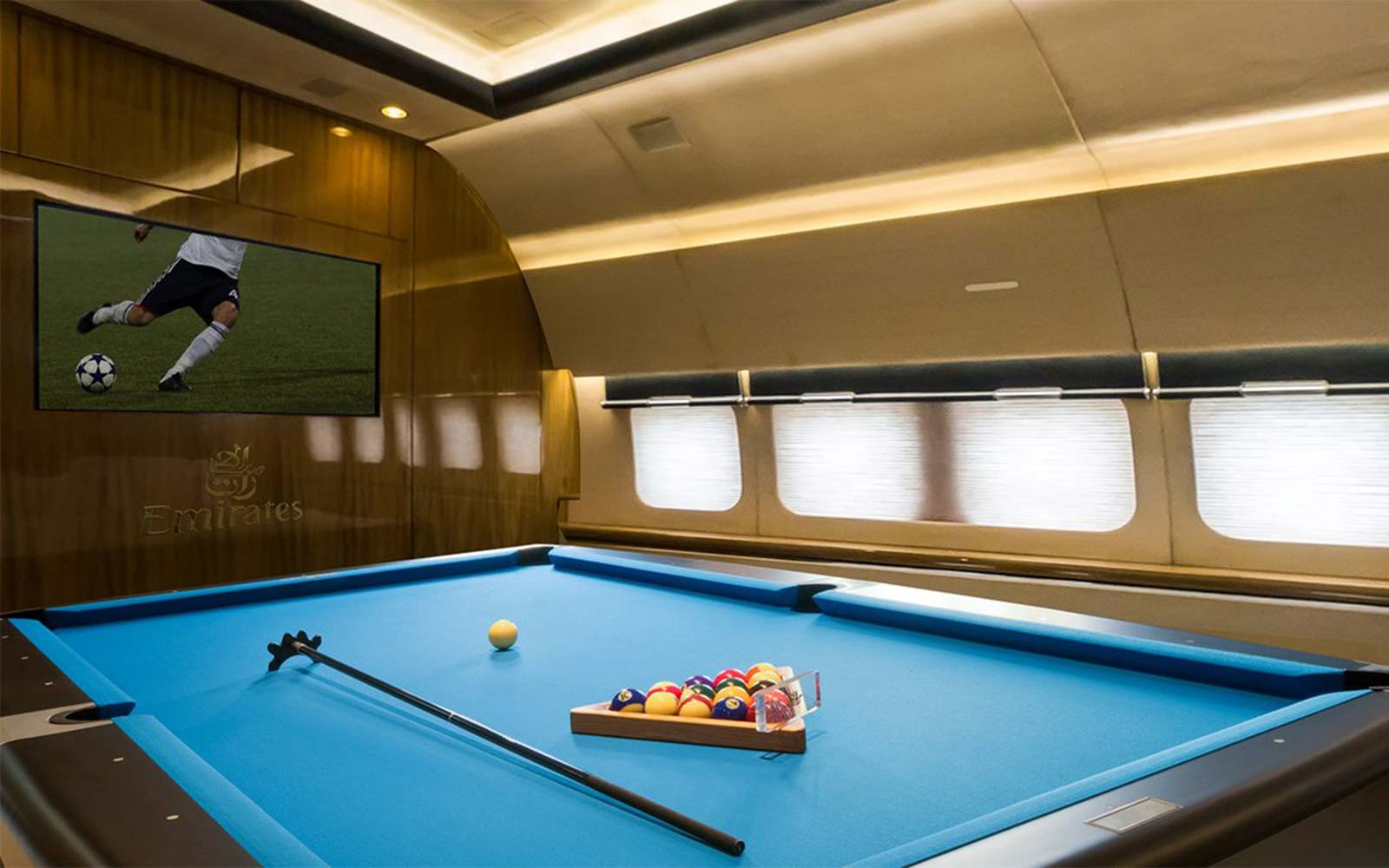 Emirates pool plane