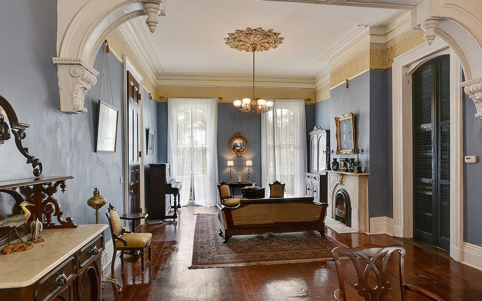 Famous Historical Homes You Can Rent For Your Next Vacation