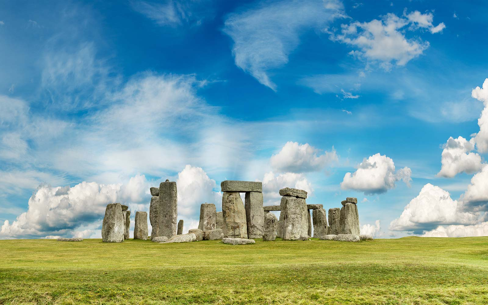 Photos of Stonehenge That Will Have You Booking a Trip to England