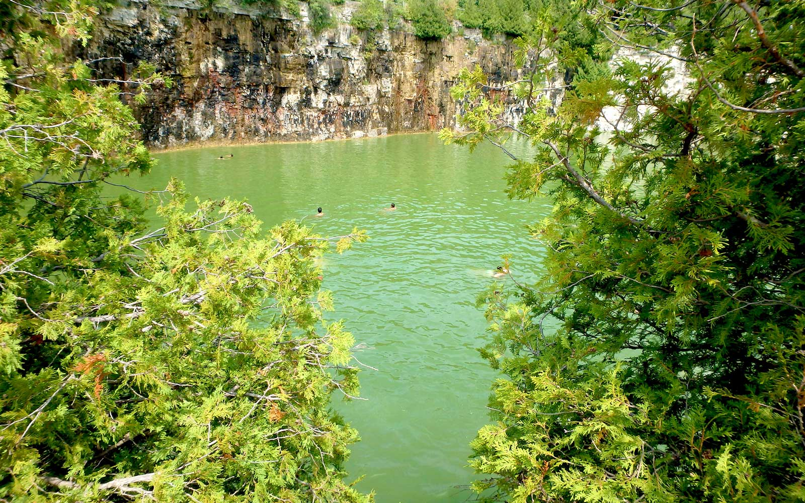 This Swimming Hole in Canada Is the Stuff of Summer Dreams
