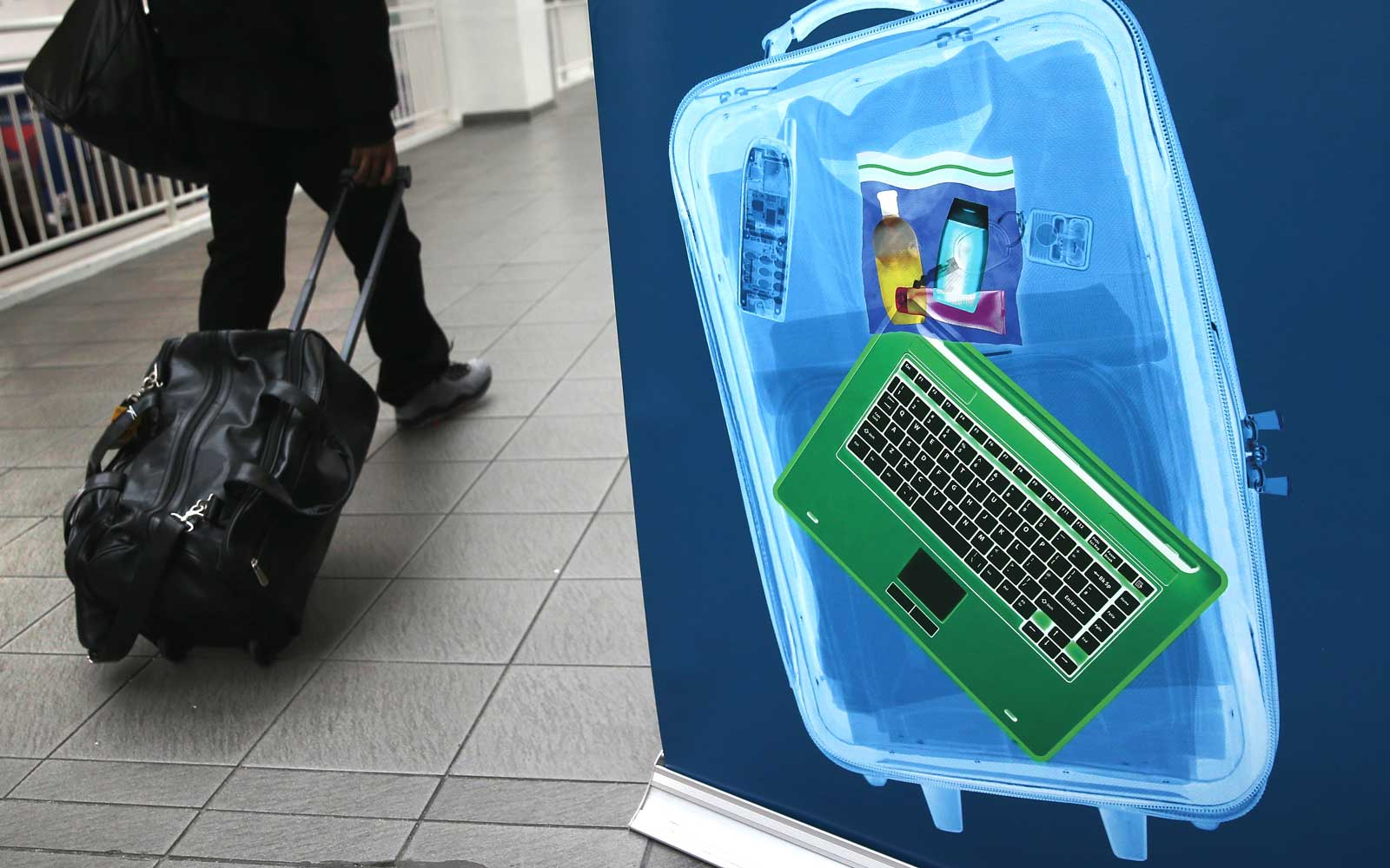 What It's Like to Travel From the Middle East During the Electronics Ban