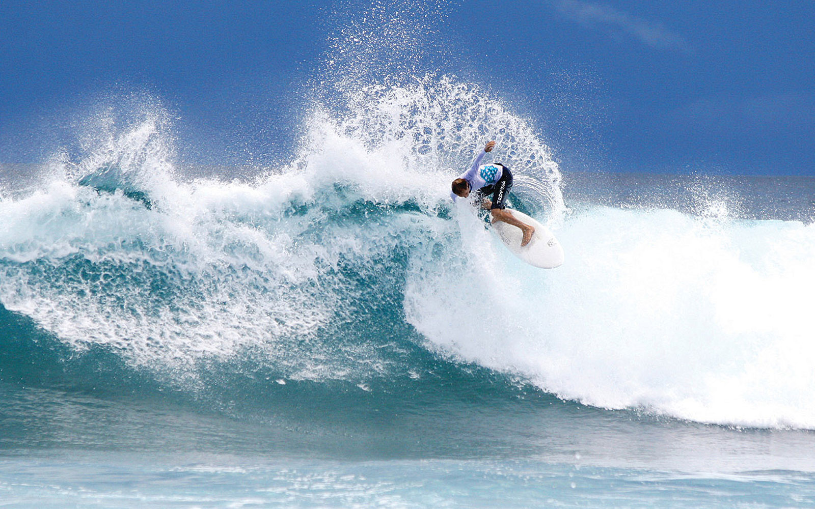 This Surfing Safari Will Take You to Turquoise Waves in the Middle of the Maldives