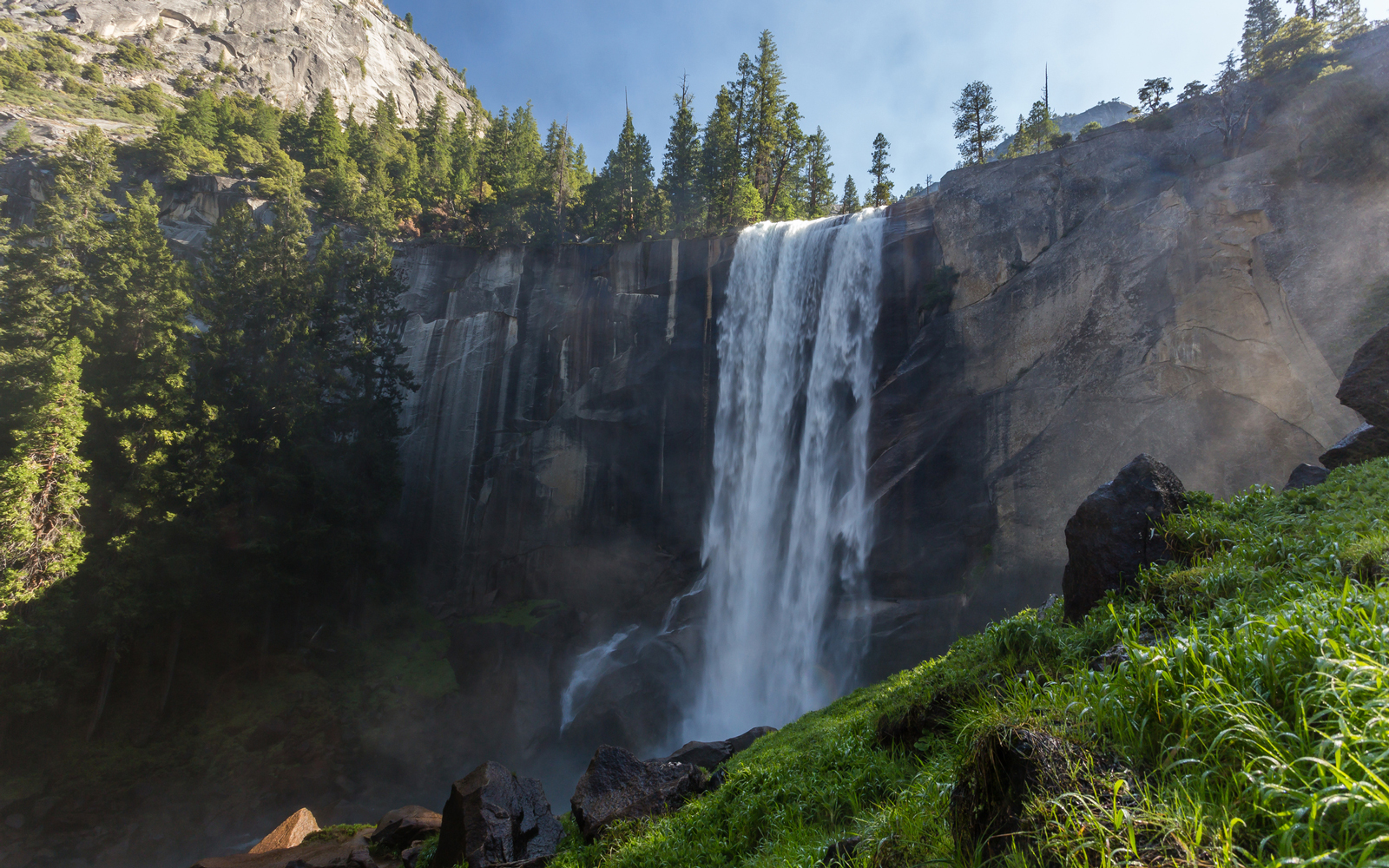 0b14d674b707 Yosemite's Waterfalls Are Roaring Back to Life After Years of ...