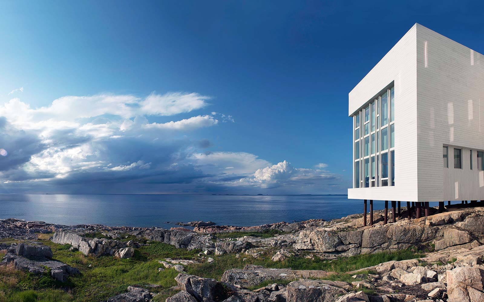 This Luxury Hotel on a Remote Canadian Island Is Like Staying at the End of the World