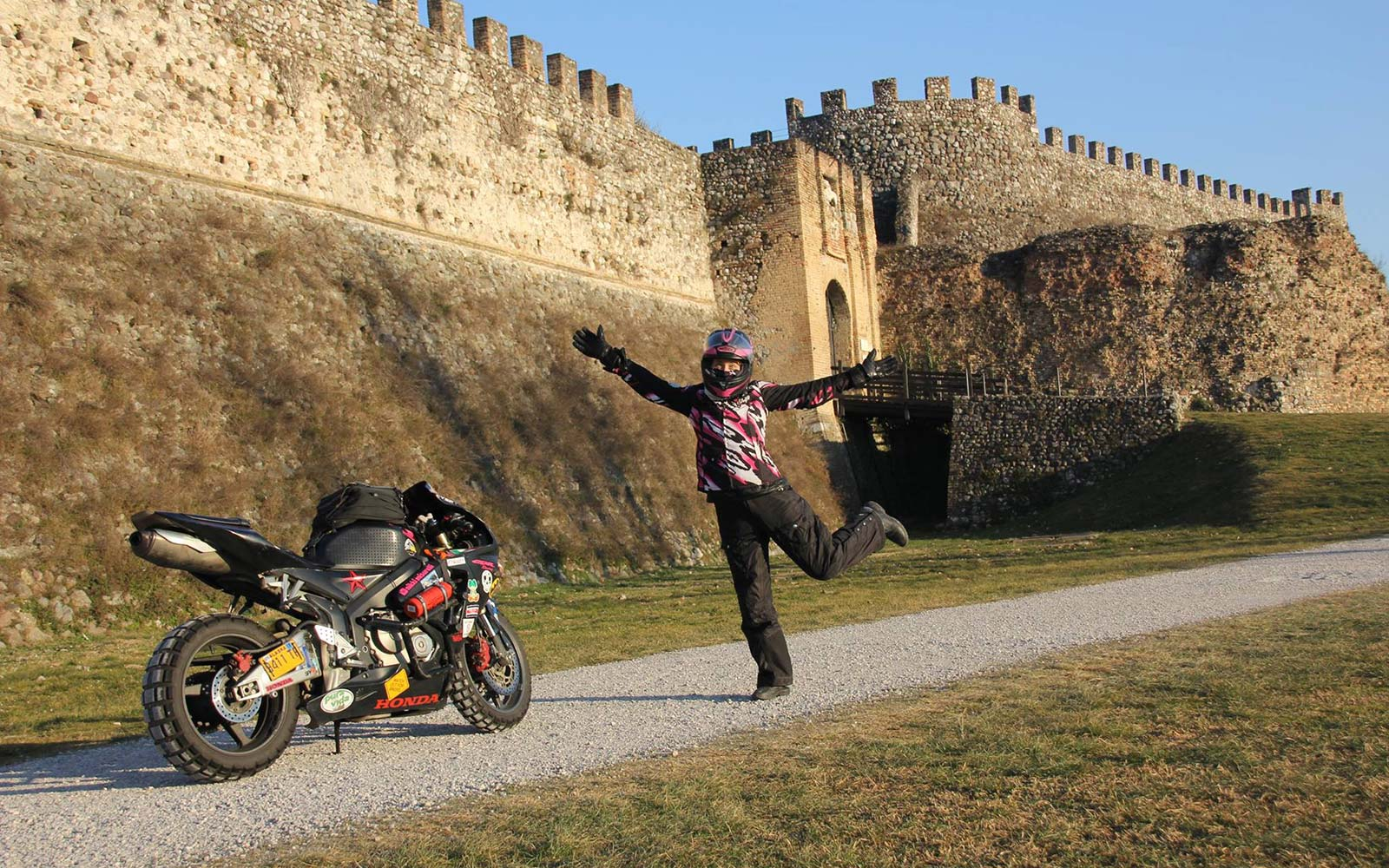 Motorcycle Road Trip >> How One Woman's Spontaneous Road Trip Turned Into a Solo ...