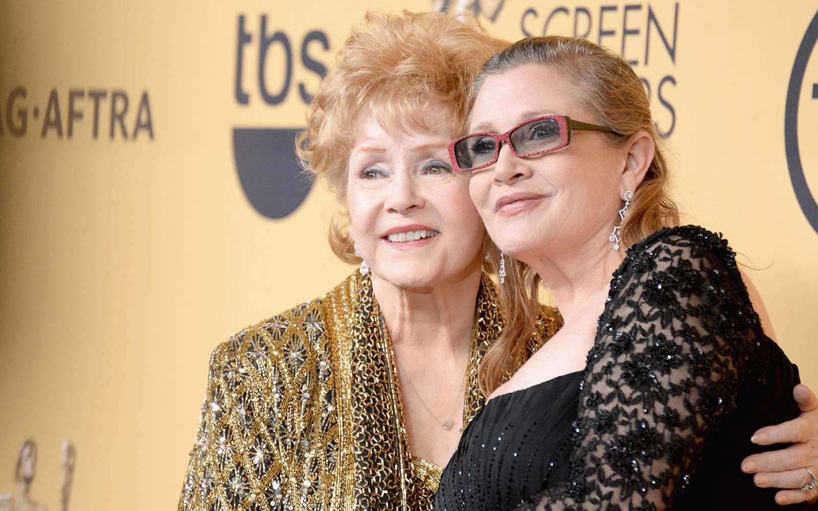 Carrie Fisher and Debbie Reynolds's headstone was finally unveiled, and it's beautiful