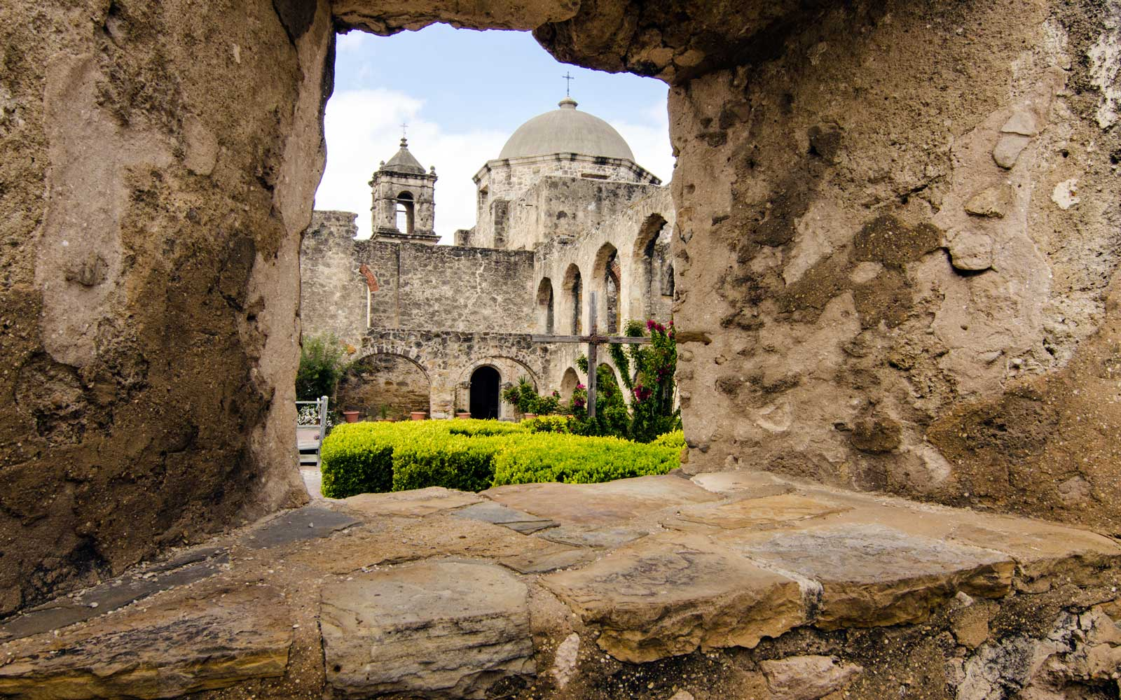 San Jose Mission is a Spanish Colonial Mission located in San Antonio, Texas, UNESCO as a World Heritage Site.