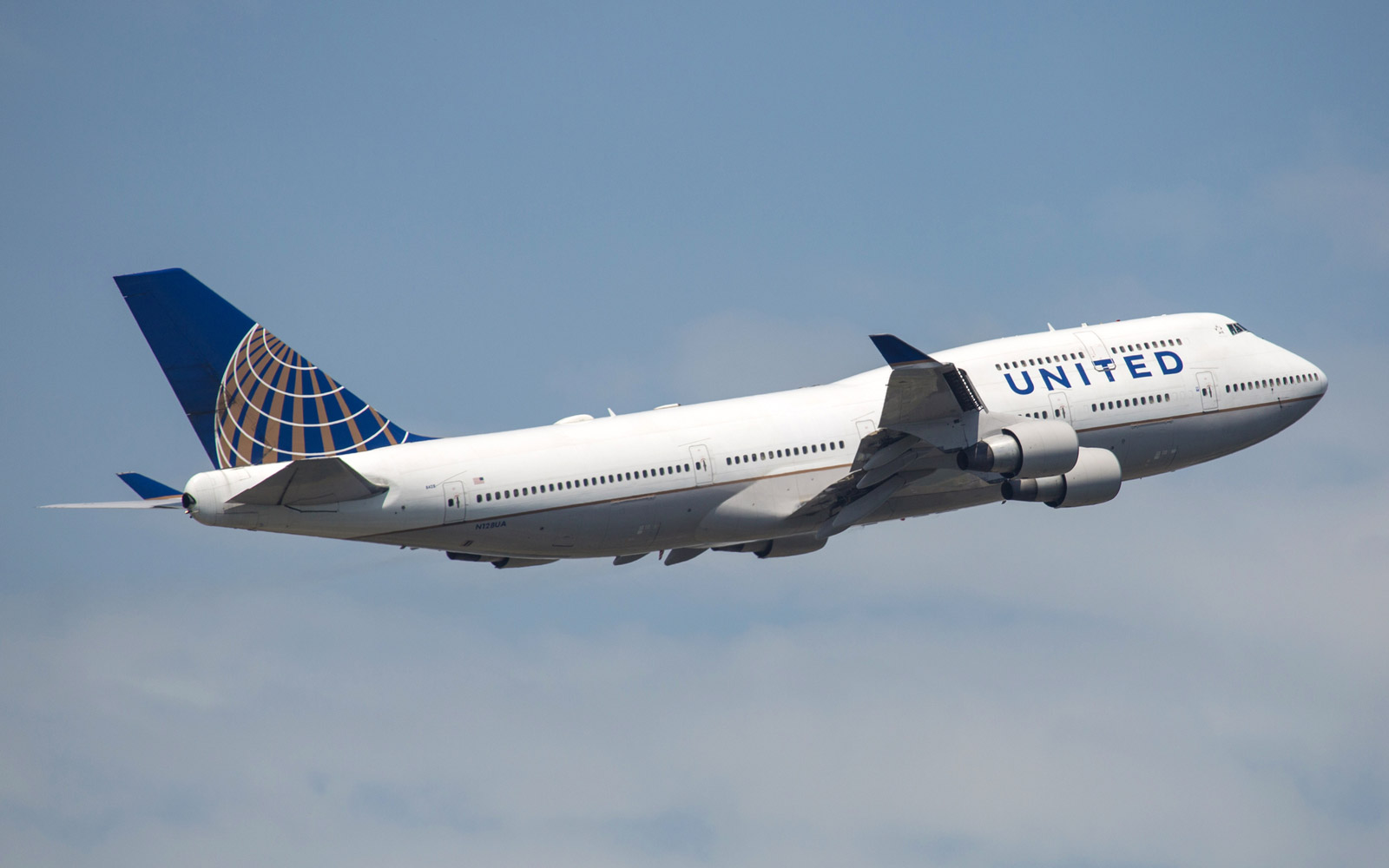 United Airlines Will Serve Deep-dish Pizza in the Skies